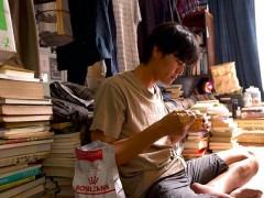 风田甘愿当猫奴 为宠物打3份工吃罐头度日